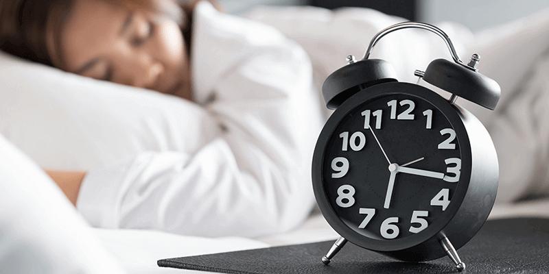 Trouver le sommeil naturellement avec des horaires de sommeil réguliers