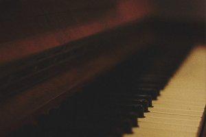piano bruit rose